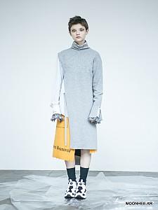 Asymmetric Sleeve Dress [GREY]
