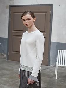 Diagonal BASIC Pullover [IVORY]