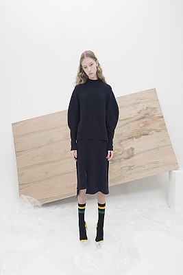 M7WT04A [Structural Sleeve Ribbed Pullover] DARK NAVY