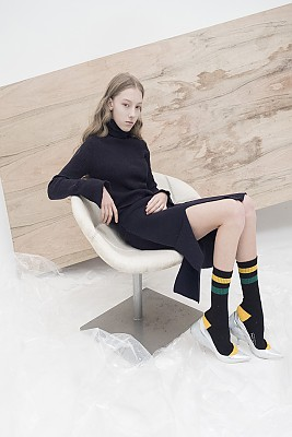 M7WS01A [Slit-Intarsia Knit Skirt] DARK NAVY