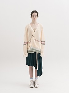 Jacquard with Tassel V-neck Cardigan