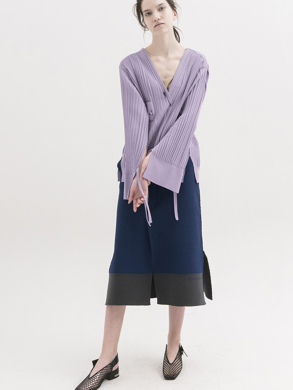 Pleated V-neck Cardigan