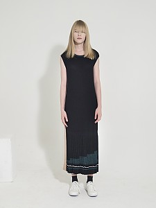 Pleated Long Knitted Dress