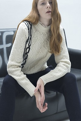 M8FT02Aintasha  cable pullover