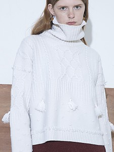 M8FT04ATassle point cable sweater pullover