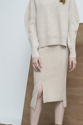 M8FS03AUNBALANCE SLIT skirt